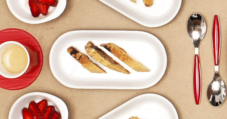 Découvrez cette recette de Biscottis aux amandes et au chocolat pour 4 personnes, vous adorerez!