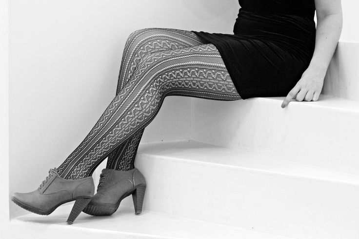 http://www.tights.ro/dresuri-pelerine-tights