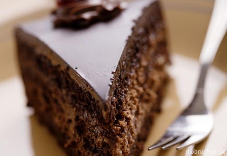 Čokoládová torta s čokoládovou plnkou