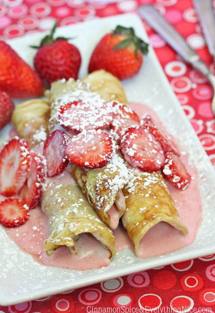Strawberry Cream Cheese Pancake Roll-ups Not sure to put this in breakfast or dessert x) I love the color though