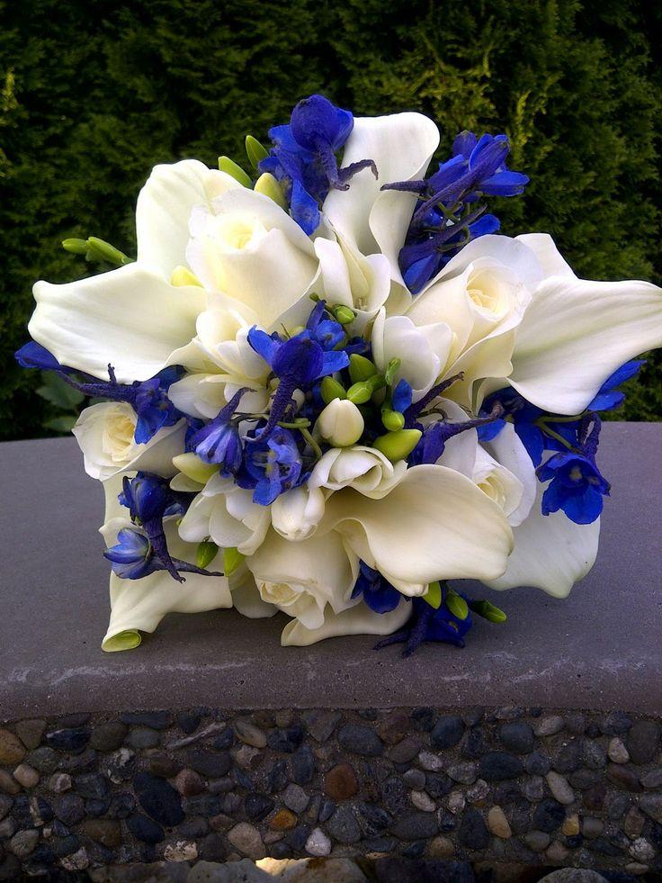 blue white wedding flowers bridal bouquet roses mini callas freesia bella donna. Black Bedroom Furniture Sets. Home Design Ideas