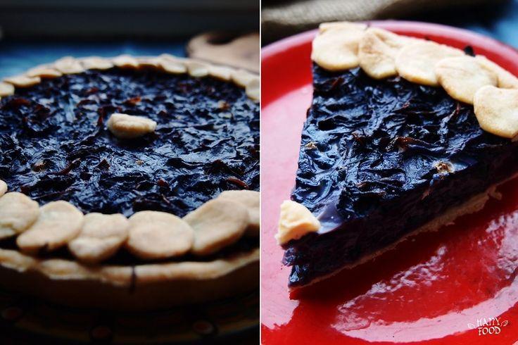 Пирог с краснокочанной капустой и сметаной