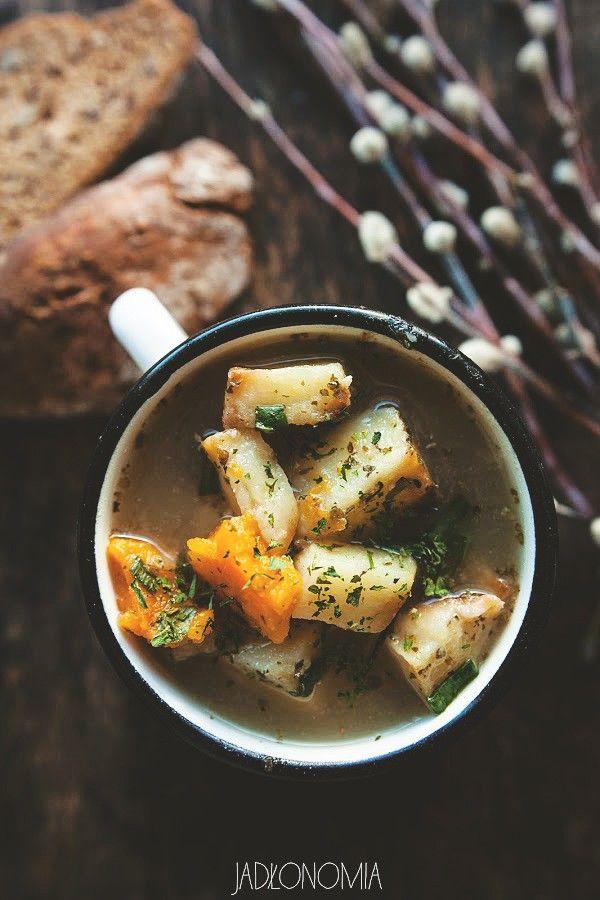 Wegański żurek z pieczonymi ziemniakami » Jadłonomia · wegańskie przepisy nie tylko dla wegan
