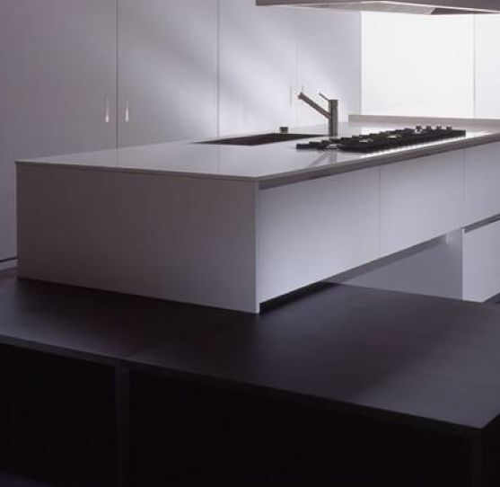 Case system 2.3-a product of extensive research, the top-of-the-range Case System 2.3 ,teams the ever growing demand for ultra sophisticated design with intelligent andinnovative technical solutions.To maintain an image of absolute minimalism the handle has been integrated into the doors where it remains invisible. The stainless steel worktop rests on a light, aluminum frame creating a void between base and top. Other elegant technical solutions such as the Blu-motion seal-mechanism that…
