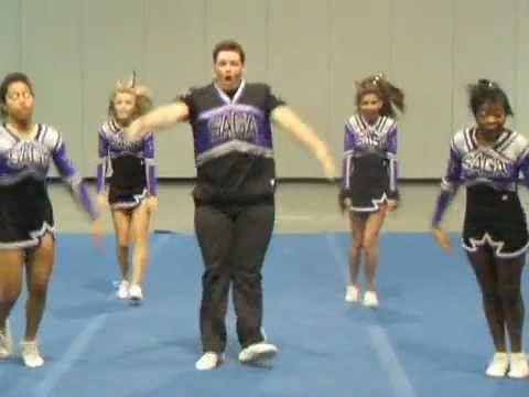 Fat male cheerleader dances hahahahaha