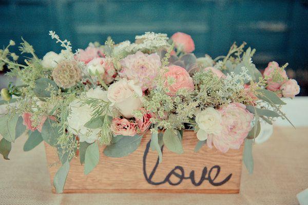 #mint #mariage (feuillages vert pâle, parfait avec le pêche)