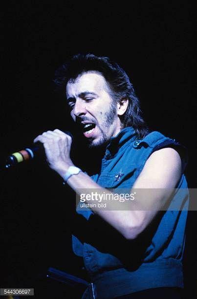 http://media.gettyimages.com/photos/herwig-mitteregger-musiker-saenger-ndw-rockmusik-d-auftritt-1984-picture-id544306697?s=612x612
