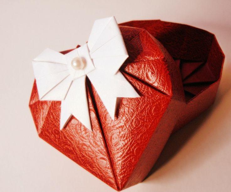 Les 13 meilleures images propos de petits et grands rangements sur pinterest origami bijoux - Origami boite coeur ...