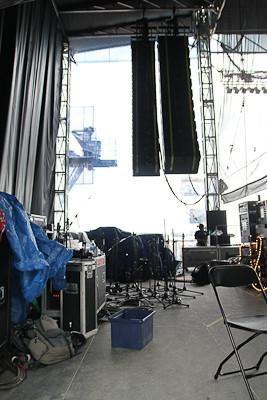 Mobile Stage 5550 BAY SETUP 92'X45' Roof https://www.mega-stage.com/