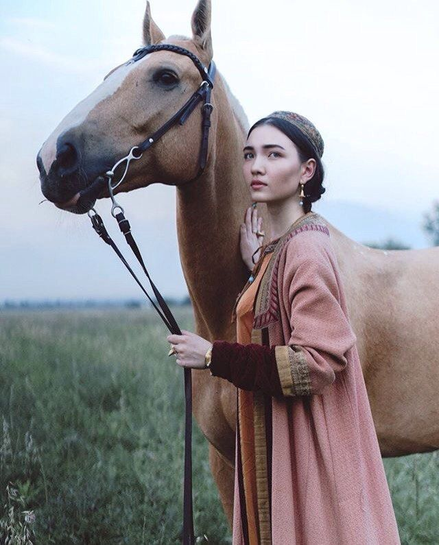 "iuvencula: "" Tatar girl in folk costume (Source: Vkontakte) """