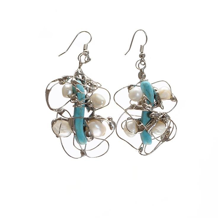 by Alina Bancila  Cercei in forma de fluture, realizati din turcoaz, perle si alama argintata