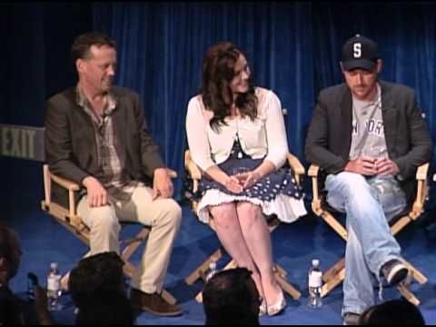 Take a moment to appreciate the vocal talents of Dee Bradley Baker (Klause on American Dad):  American Dad! - Seth MacFarlane and Cast on Joining the Show