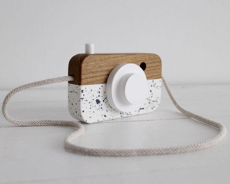 handmade wooden camera by manufakturamilo.pl