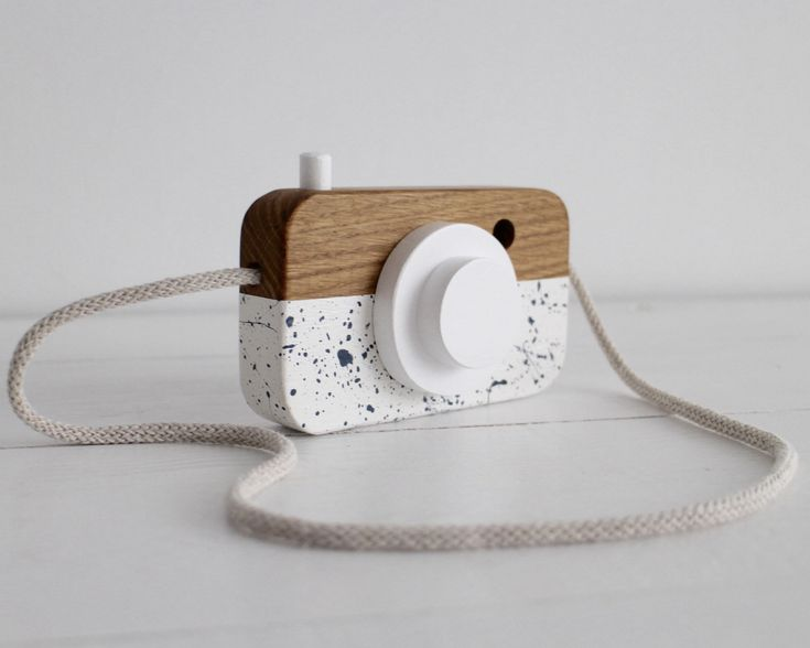 handmade wooden camera by manufakturamilo.pl