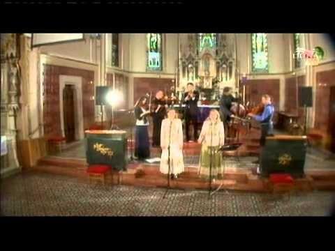 Kovács Nóri, Kovács Judit és a Matokabinde - Ma van húsvét napja - YouTube