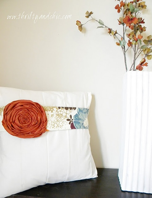 Throw Pillow Fabric Ideas : 17 Best images about Pillow ideas on Pinterest Throw pillows, Burlap throw pillows and ...