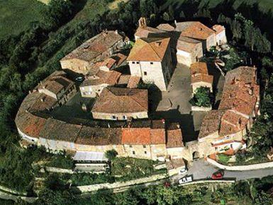 Vuoi incontrare i moderni Etruschi? Vai a Murlo #giruland #diario #viaggio #diariodiviaggio #raccontare #scoprire #condividere #turismo #blog #travelblog #fashiontravel #foodtravel #matrimonio #nozze #lowcost #risparmio #trekking #panorama #emozioni #toscna #murlo #etruschi