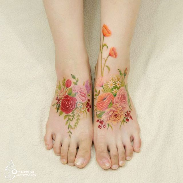 Floral color watercolor Tattoo Aro