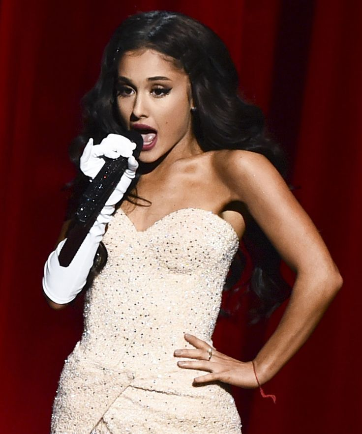 Ariana Grande Christmas & Chill EP Original Songs | Ariana Grande has been teasing us with a new Christmas album for a few days now and she's finally delivered. #refinery29 http://www.refinery29.com/2015/12/99782/ariana-grande-releases-christmas-originals