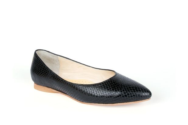 The Classic Point in Black Python by Poppy Barley Made to Measure. #Customize your leather colours and hardware. #Handcrafted to your measurements. #Flats #BalletFlats