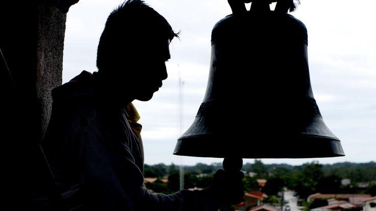Crónicas Angostureñas / Américo Fernández: Las campanas de la Iglesia