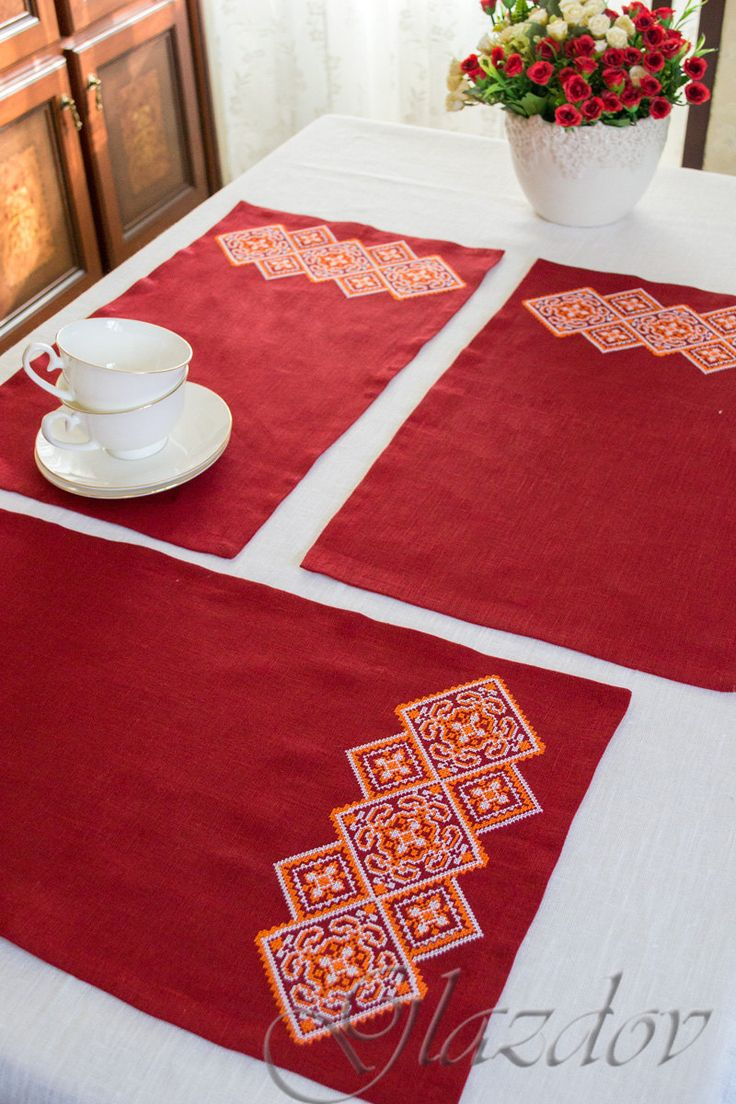 Linen Placemat, Embroidered Placemat, Fabric Placemat by GLAZDOV on Etsy Linen #placemat #embroidered_placemat, #fabric_Placemat