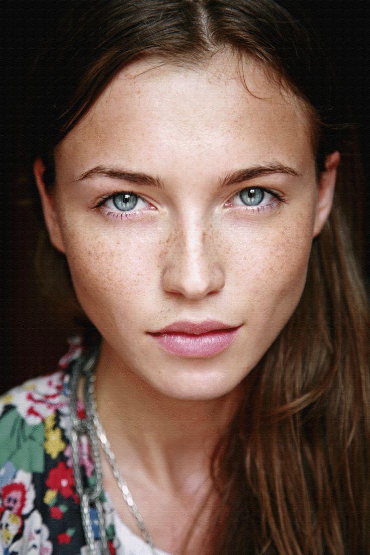 Face, Summer Skin, Nature Makeup, No Makeup Makeup, Blue Eye, Nature Beautiful, Nature Looks, Flawless Skin, Au Nature