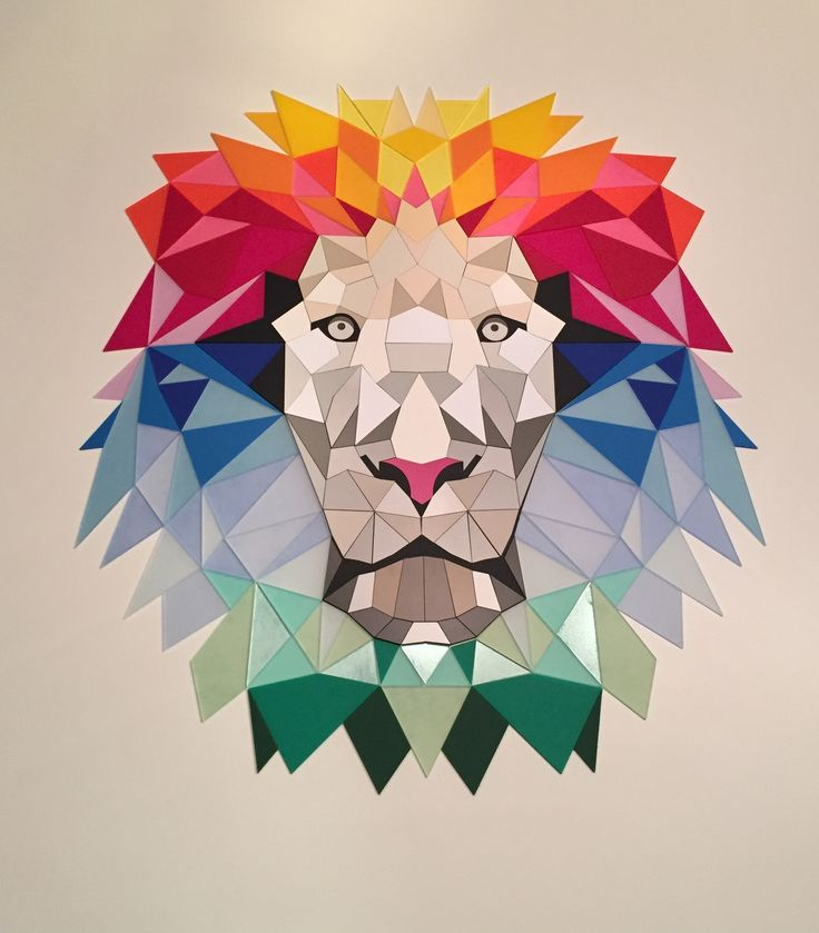 Tableau LION réalisé en ColorHues et ADA. Les triangles ont été découpés avec une EPILOG FUSION M2. Super effet en assemblant 43 nuances de matières à graver