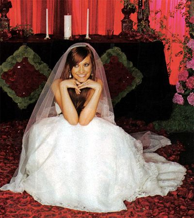 10 best wedding ashlee simpson pete wentz images on pinterest ashlee simpson pete wentz may gown monique lhuillier junglespirit Choice Image