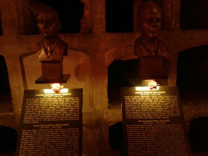 Memorial to Czech parachutists, Prague
