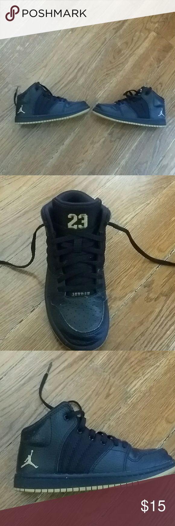 Jordan shoes Kids Jordan shoes black and gold gently worn Jordan Shoes Sneakers