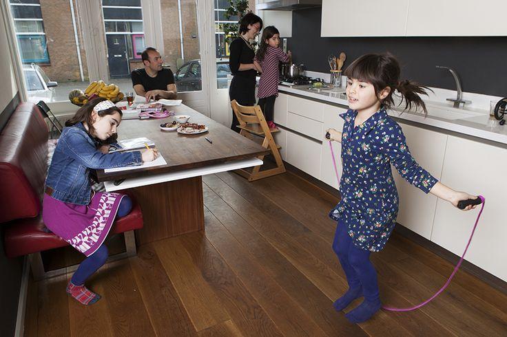 Elke dag vlees eten is niet nodig, vinden Cafir, Aysel, Zara (9), Helin (6) en Reyna (4) uit Amsterdam Nieuw-Sloten. Dus matigt deze Koerdisch-Turks-Nederlandse Good Family Yigit-Palavan met vlees. Evenals met ander voedsel. Want minder eten, betekent meer genieten.