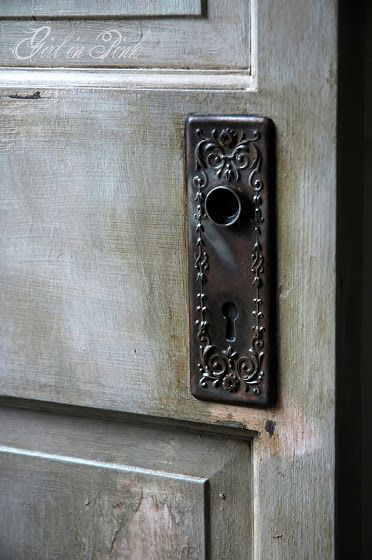 1000 images about things painted with chalk paint on for Chalk paint door