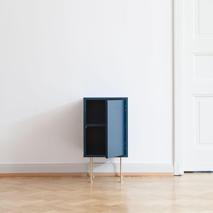 Vogue nattbord, mørkeblå – Decotique – Kjøp møbler online på ROOM21.no