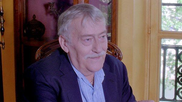 El actor francés Michel Duchaussoy, intérprete elegido por grandes directores como Louis Malle, Claude Chabrol y Costa Gavras, falleció hoy a los 73 años de un ataque cardiaco, informan los medios franceses. Ver más en: http://www.elpopular.com.ec/46660-muere-el-actor-frances-michel-duchaussoy-a-los-73-anos.html?preview=true