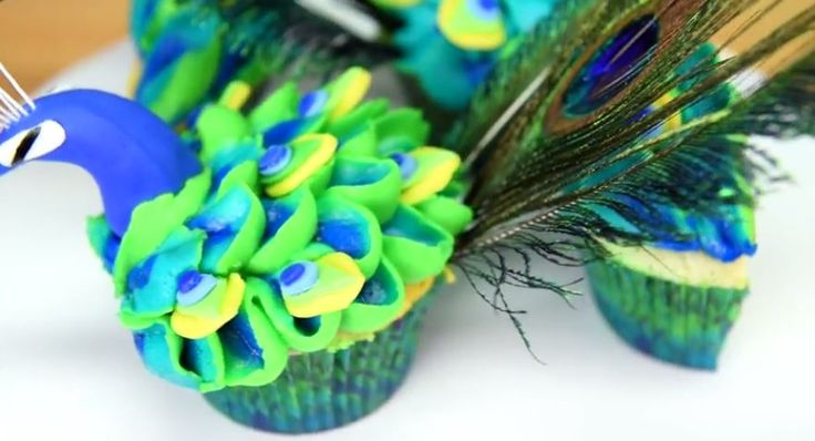 Easy Peacock Cupcakes Jenn Johns (Cookies Cupcakes & Cardio) mentions attending the Makers & Bakers Booth at Vidcon, an event this past July. Vidcon is an event for online video creators & communities. The recipe tutorial demonstrates how to make the cupcake batter with 5 different colors using 5 different bowls. For simplicity, we recommend …