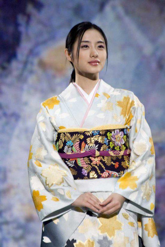 Satomi Ishihara models kimono designs by designer Kyoko Koizumi
