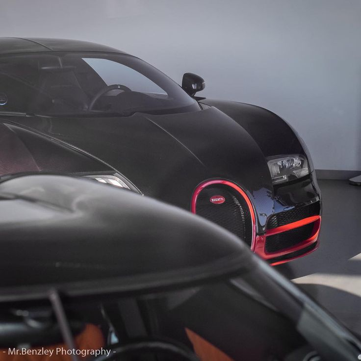 Giving you another pic of this #carbon #monster named #veyron. _______________________________________ Photos all made by me!  Tag who must see this  If you repost tag me  Check out @sndr_photos _______________________________________ #bodybuilding #biceps #fitness #fit #fitnessmotivation #body #fitx #workout #workoutmotivation #training  #carsofinstagram #carspotting #automotivephotography #carporn #carphotography #mercedes #mercedesbenz #bmw #audi #lamborghini #ferrari  #münster…