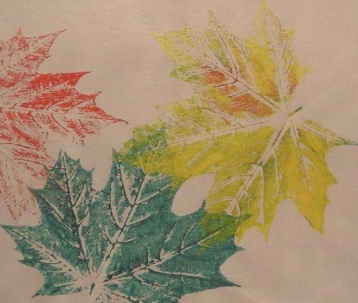 Stempelen met bladeren uit het bos