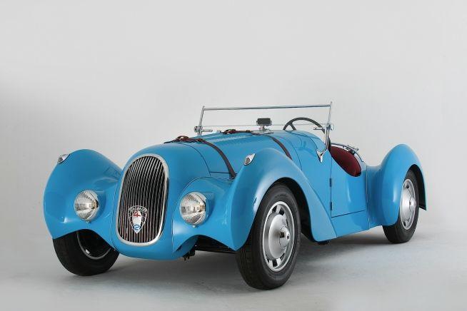 1938 Peugeot - 402 Roadster - ✏✏✏✏✏✏✏✏✏✏✏✏✏✏✏✏ IDEE CADEAU / CUTE GIFT IDEA  ☞ http://gabyfeeriefr.tumblr.com/archive ✏✏✏✏✏✏✏✏✏✏✏✏✏✏✏✏