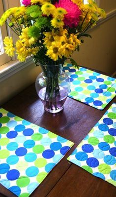 DIY : Quick & Simple Reversible (& Washable!) Placemat Tutorial..