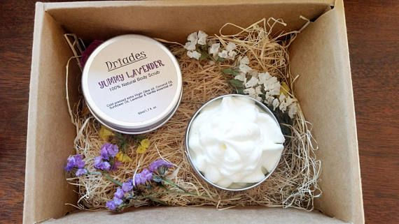 Bath & beauty gift set  Organic skincare. All natural body and hand srub and whipped hand and body butter. Clients gifts. Thank you gifts for nurse. Beauty party favors. New neighbour gft. #Handmade with love by #Driades #beautygiftset #skincareset #giftbasket #bodyscrub #bodybutter #veganbodylotion #veganbodyscrub #sugarscrub #partyfavors #bomboniere #hostessgift #newyearspartyfavors #baptismguestsfsvours #bridalshowergifts #giftsforvegans #skincarekit https://www.etsy.com/listing/560842392
