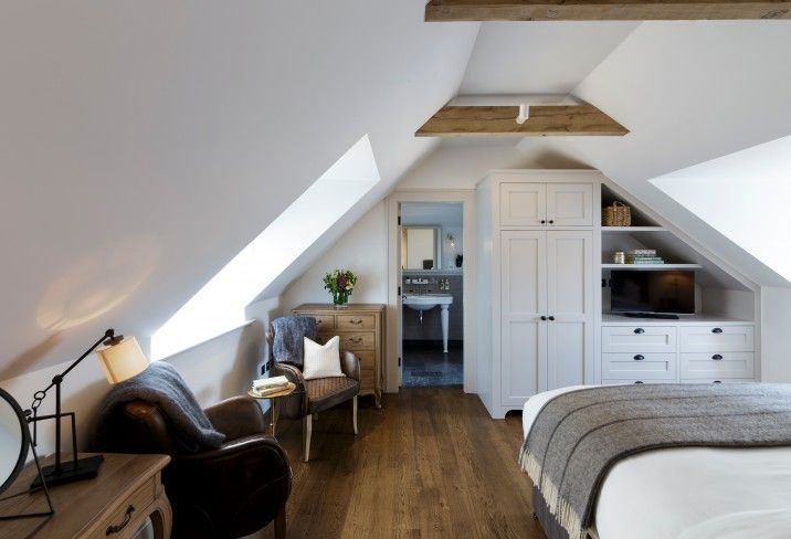 We've fallen head over heels for Hurley House Hotel, a restaurant with rooms boasting countryside-sourced menus, ravishing rooms and a bijou bar.
