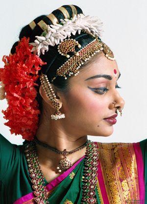 Индийский макияж и украшения (80 фото)