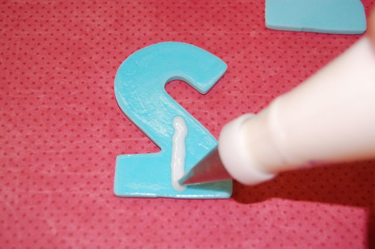 how to make numbers with fondant