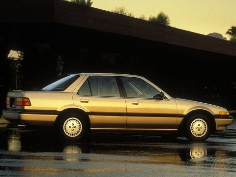 Honda Accord Sedan (1986 – 1989).