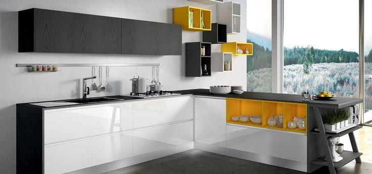 Cucina Moderna - MOON DUNA DIVA  Finitura laccato bianco lucido, laccato giallo opaco e laccato decapè titanio   Piano in laminato 145   Maniglia Moon  http://www.arredo3.it/cucine-moderne/cucina-moderna-moon-duna-diva/