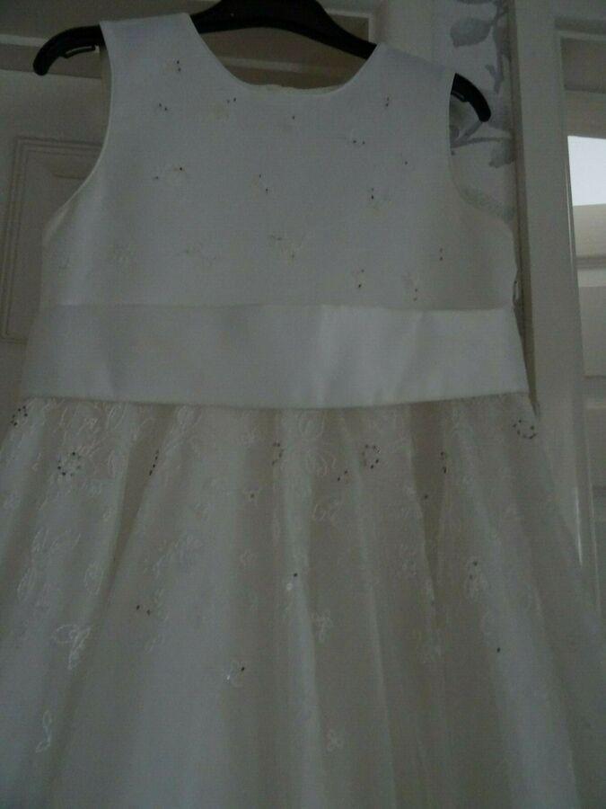 beautiful ivory bridesmaid dress-age 9