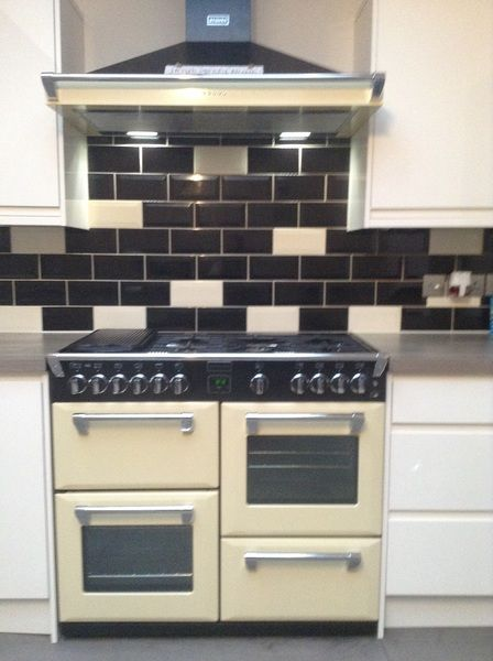 what a stylish kitchen tinas stoves richmond range cooker and hood in cream to. Interior Design Ideas. Home Design Ideas