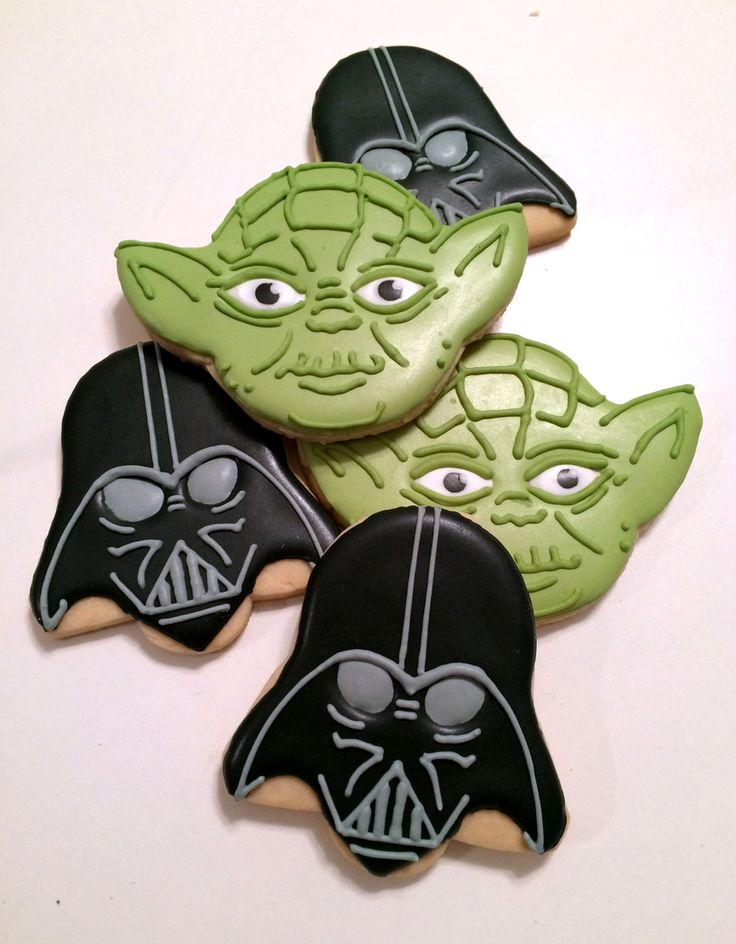 Star Wars cookies, yoda cookies and darth vadar cookies
